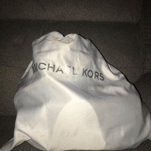 Michael Kors Backpack puede
